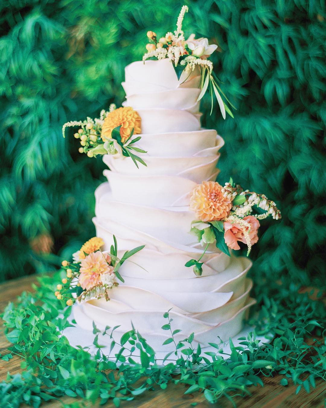 From Ruffles To Succulents Florals And More Here Are Some Of Our Favorite Instagram Posts For A Little Wedding Cake Inspo