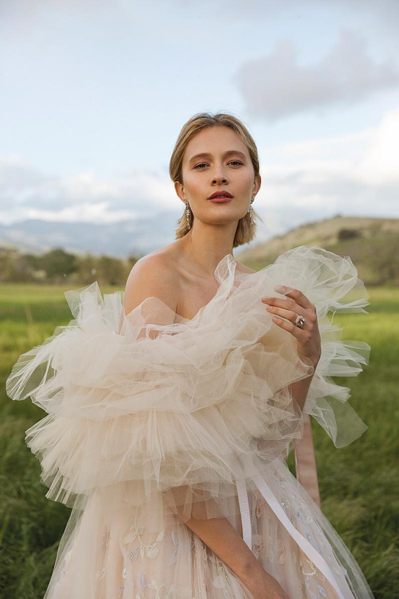 3bc0de5bf6156 Modern Love: Avant-Garde Wedding Dresses with a Floral Flair ...