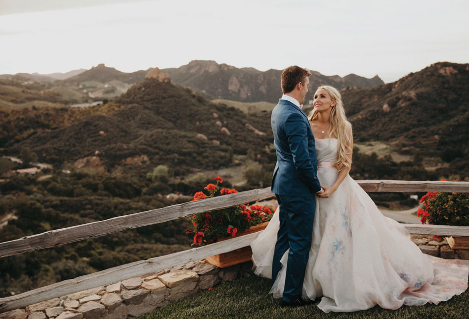 Courtney and Ryan stand overlooking the view at Cielo Farms in Malibu