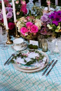 Clean blues and pops of pink inspired Natalie Sofer and Butterfly Floral to create a gorgeous Summer Showers table.