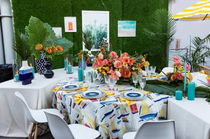 Vanessa Michelle and Oak and the Owl created a one-of-a-kind design with the McGregor Nautical and Shell Amalfi linens and yellow Amalfi napkins.