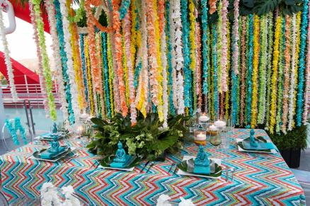 Palm Springs Zen by Empty Vase utilized the Retro Zig Zag linen in Caribbean and Mermaid Iridesence napkins to create a vibrant tablescape.