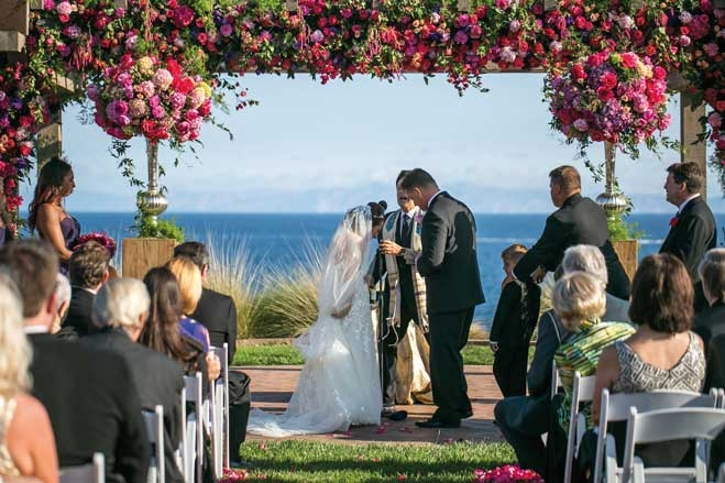 lauren mike a bright and tropical wedding at terranea resort