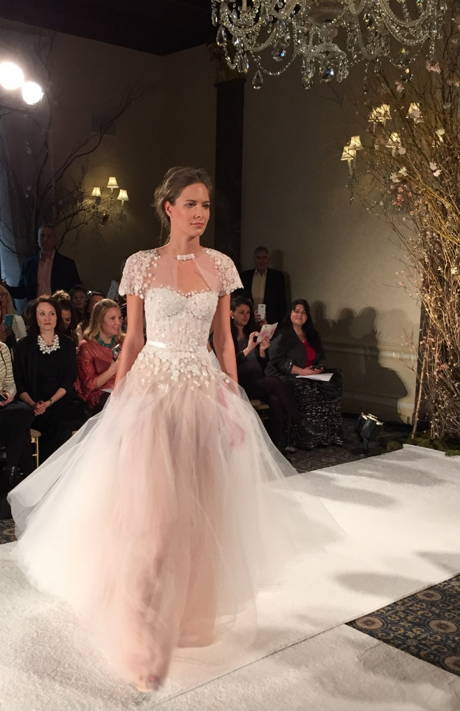 California The 5 Dreamiest Wedding Gowns from New York Bridal ...